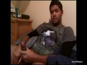 Gayzinho indiano pelado bolinando super cacete